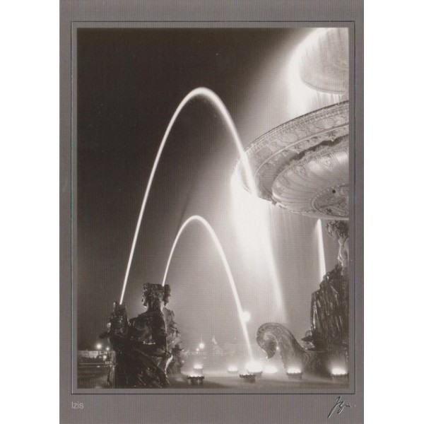 carte postale reproduction d 39 une photo noir et blanc place de la concorde paris par izis. Black Bedroom Furniture Sets. Home Design Ideas