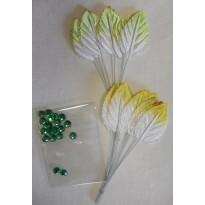 Feuillages clairs de 2 variétés et strass verts pour loisirs créatifs et scrapbooking.