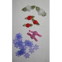 Roses en tissu à coller pour carterie créative et scrapbooking