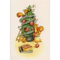 Les écureuils décorent le sapin de Noël, carte de voeux